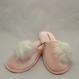 Victoria's Secret Pom Slippers, Pink